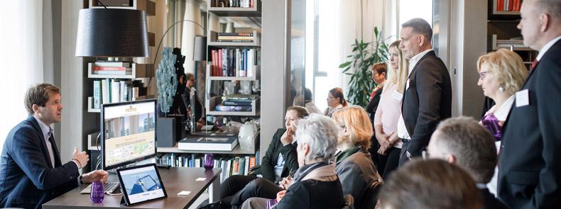 Veranstaltung Speed-Dating fürWohnungsunternehmen am 30.03.17 in Berlin im Waldorf Astoria / Fotograf: Tobias Koch (www.tobiaskoch.net)